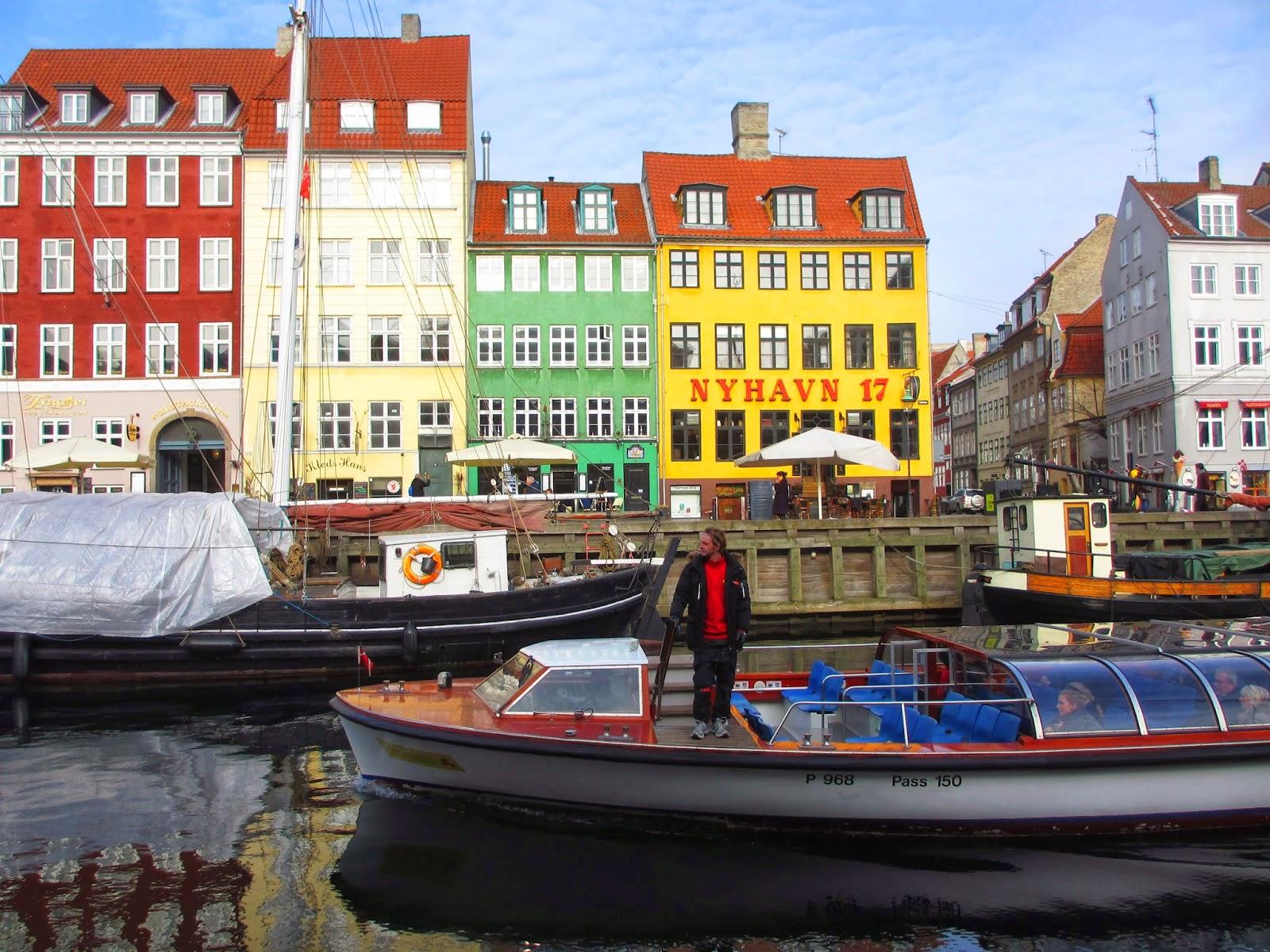 Dicas para visitar NYHAVN e fazer um PASSEIO DE BARCO pelos canais de Copenhaga | DinamarcaDicas para visitar NYHAVN e fazer um PASSEIO DE BARCO pelos canais de Copenhaga | DinamarcaDicas para visitar NYHAVN e fazer um PASSEIO DE BARCO pelos canais de Copenhaga | Dinamarca