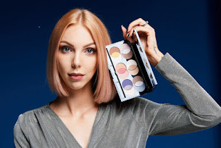 http://www.sephora.fr/Maquillage/Palettes-Coffrets/Yeux/Mixology-Galaxy-by-Sandrea-Palette-yeux/P3119137