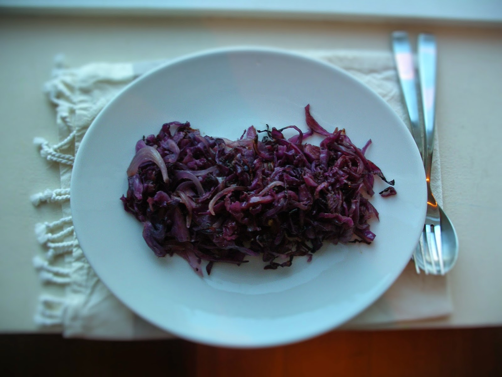 Balsamic roasted red cabbage