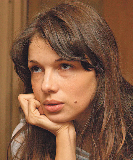 Russian Actress Ksenia Buravskaya Photo Images HD Wallpapers