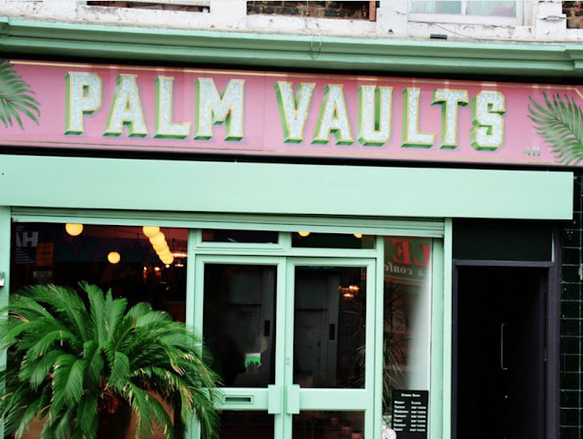 chloeschlothes-palm-vaults