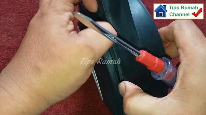 Memasang Kembali Casing Kabel Roll Tanpa Sekrup Cara Membuka dan Memasang Kembali Casing Kabel Roll Tanpa Sekrup