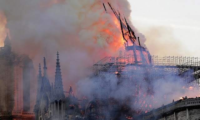 Albanian Government gave € 100 000 for the reconstruction of Notre Dame de Paris