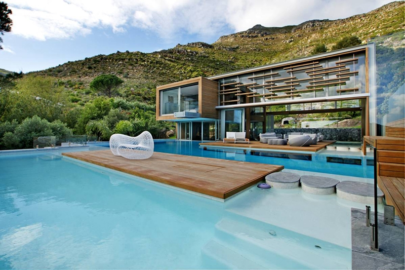 Swimming pool and Stunning Spa House in Cape Town, South Africa
