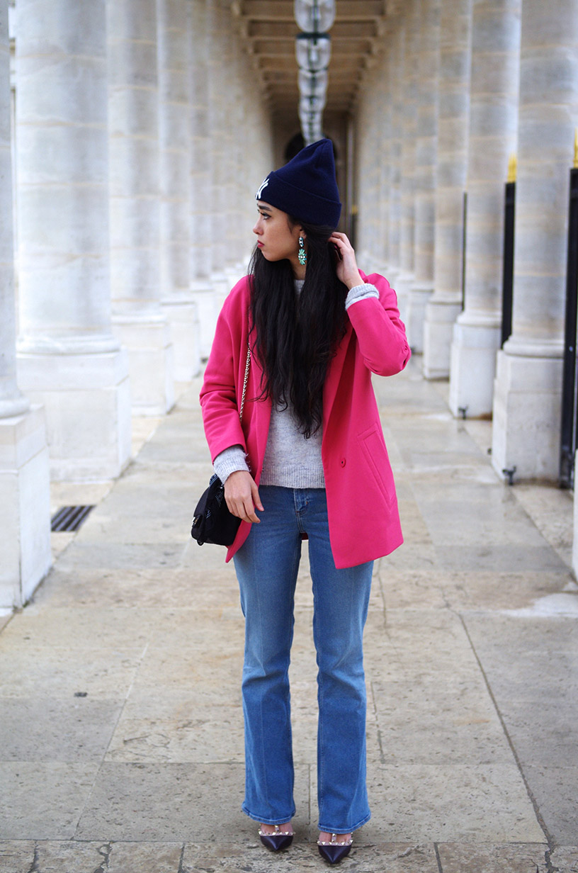 Elizabeth l  Pink spring outfit l Rockstud Valentino pink coat rose weekday jeans denim Chanel NY  l THEDEETSONE l http://thedeetsone.blogspot.fr