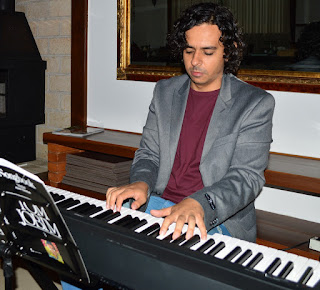 Pianista Bruno Fonseca toca o fino da MPB durante todo o evento
