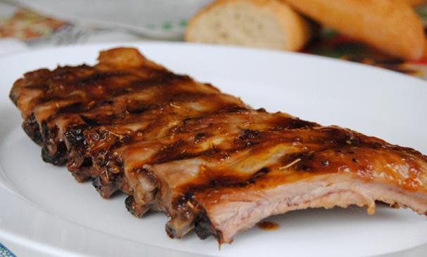 Costillas de cerdo al horno con salsa barbacoa