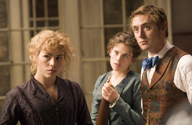 'THE RUBY IN THE SMOKE' (2006). A review of the Masterpiece TV production with Billie Piper and JJ Feild. All text is © Rissi JC and RissiWrites.com