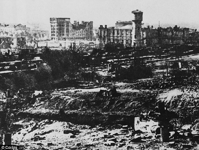 Το κρίσιμο σημείο: Ο εξάμηνος πόλεμος το 1942-1943 στοίχισε τη ζωή σε πάνω από ένα εκατομμύριο άντρες και κατέστρεψε για πάντα τις φιλοδοξίες του Χίτλερ να αποικίσει τη Σοβιετική Ένωση