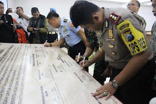 Polisi, Tokoh Agama dan Masyarakat di Jombang Deklarasi Anti Hoax