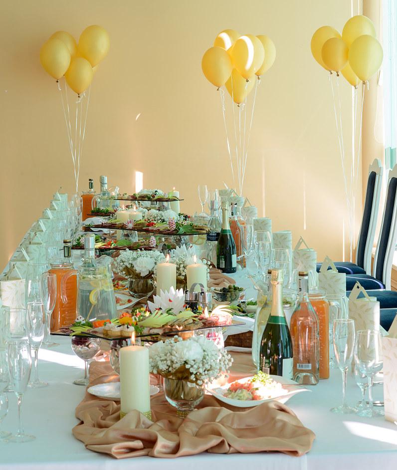 vestuvinio stalo dekoras