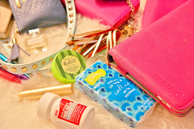 accessories to have in your purse