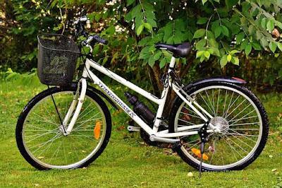 descriptive text tentang sepeda ibuku
