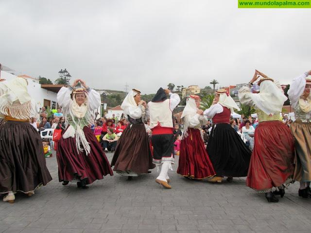 Breña Alta acerca el folclore a los escolares con el proyecto 'Oficios en el recuerdo'