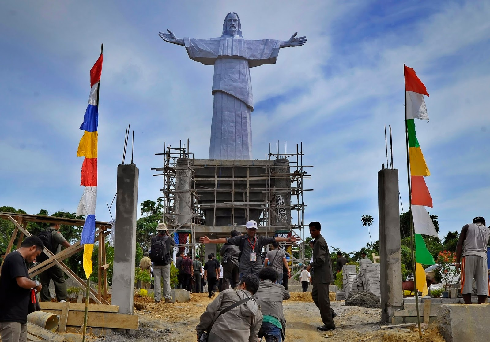 Indonesia Mempunyai Patung Yesus Termegah Di Dunia