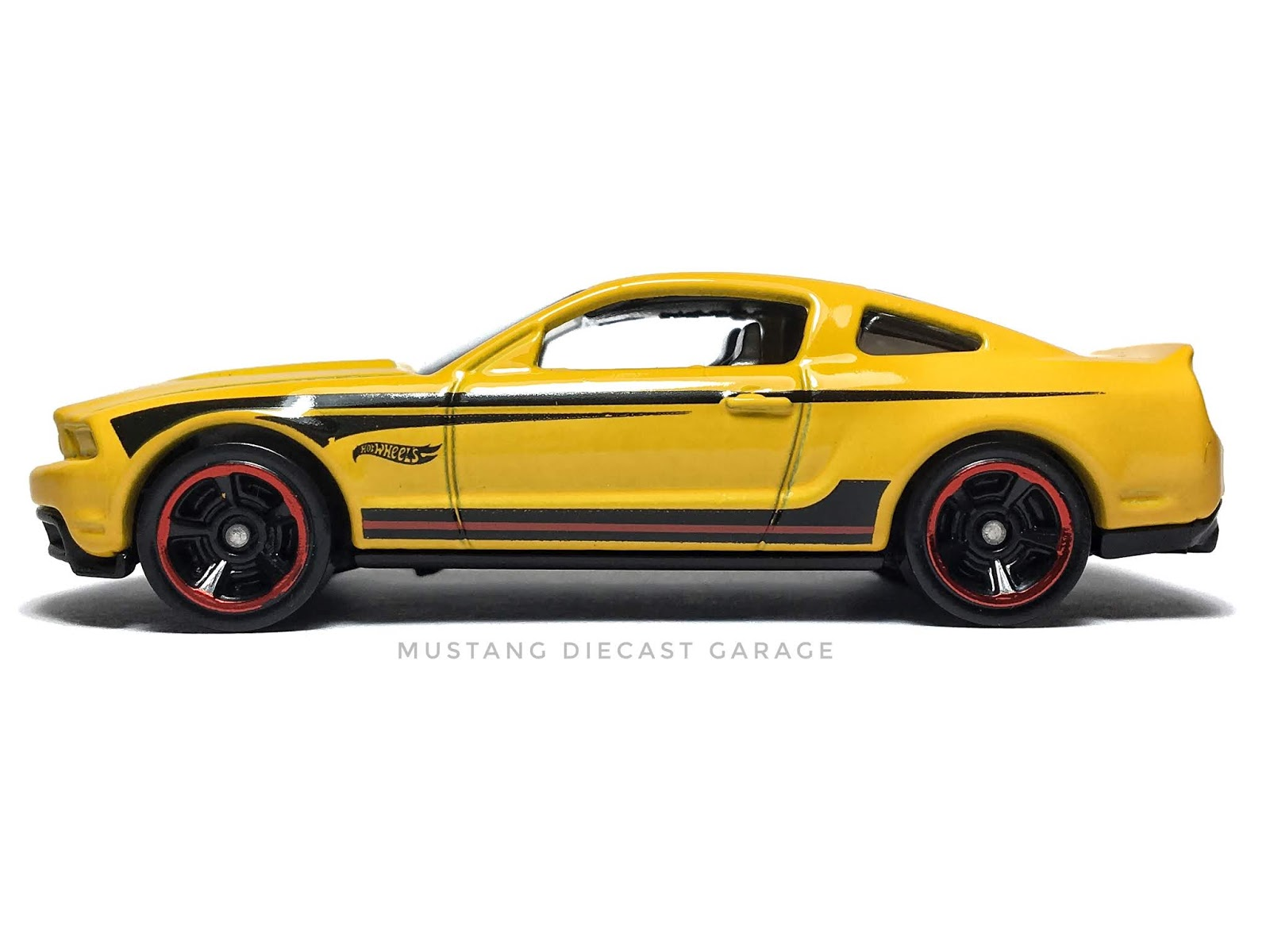 Hot Wheels 2010 Ford Mustang GT Series 2016 HW Mild to Wild (สีเหลือง) 1:64