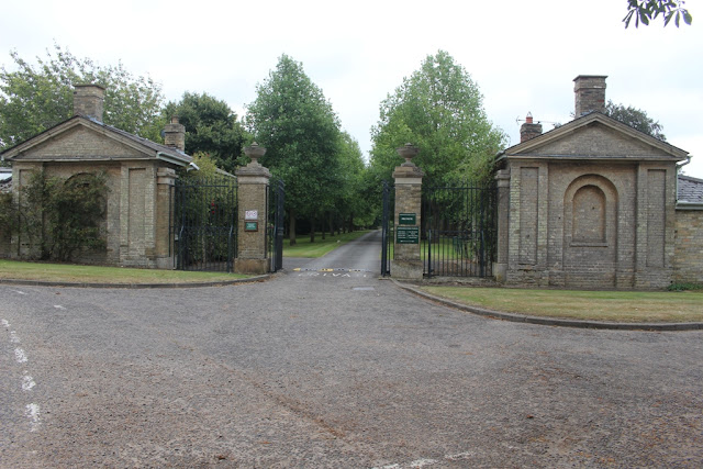 Entrance to Chippenham Park at the top of the High Street