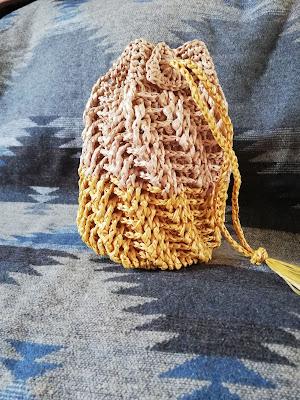 エコアンダリアのバッグ