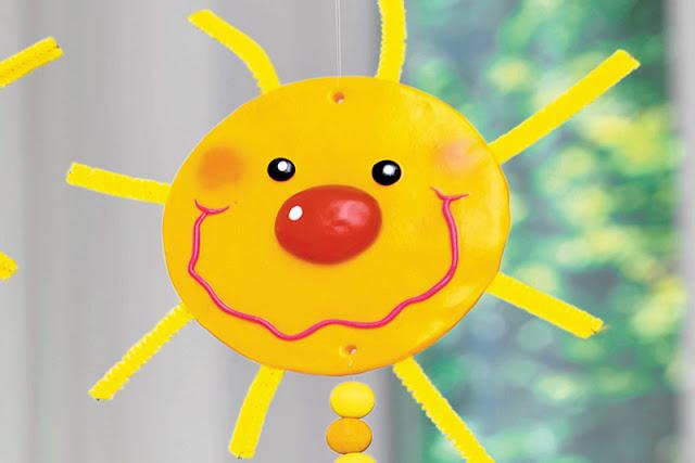 """весна, декор весенний, декор для дома, декор для окна, декор на Масленицу, из полимерной глины, подвеска, полимерная глина, проводы зимы, своими руками, солнце, украшение интерьерное, украшение на Масленицу,http://handmade.parafraz.space/, """"Солнышки"""" - интерьерный декор к Масленице,"""