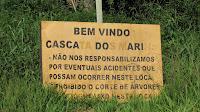 Placa de advertência na Cascata dos Marins, Cotiporã