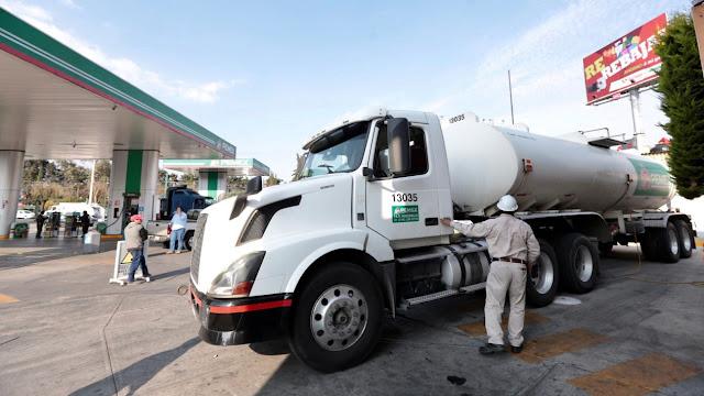 El plan de AMLO para aumentar la distribución de gasolina en la CDMX