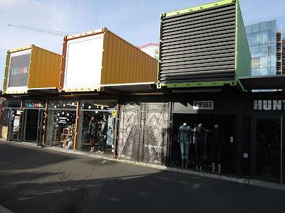 Centro comercial en antiguos contenedores de obra. Christchurch, en Nueva Zelanda
