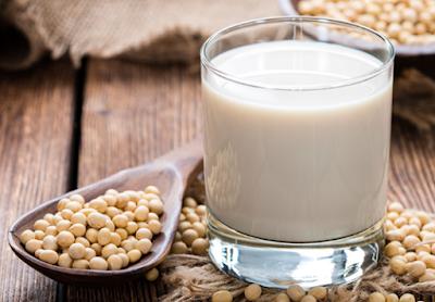 Công dụng của sữa đậu nành với phụ nữ và người ăn kiêng