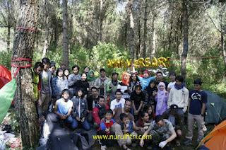 http://www.nurulfitri.com/2016/09/menembus-kelembapan-tebing-lumut.html