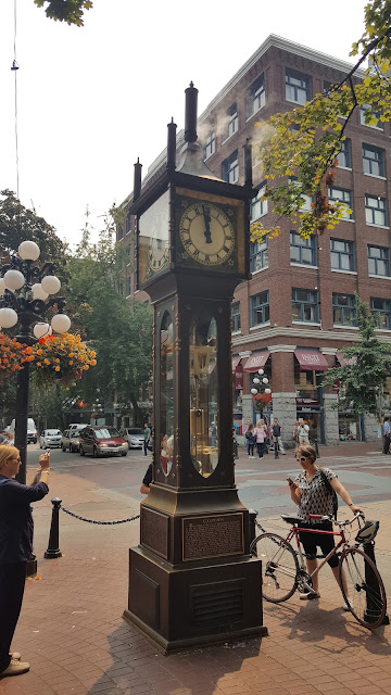 steam-clock