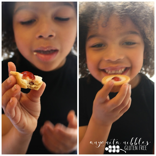 Callum tries Mr Kipling Gluten Free Mini Cherry Bakewell Tarts on Anyonita-Nibbles