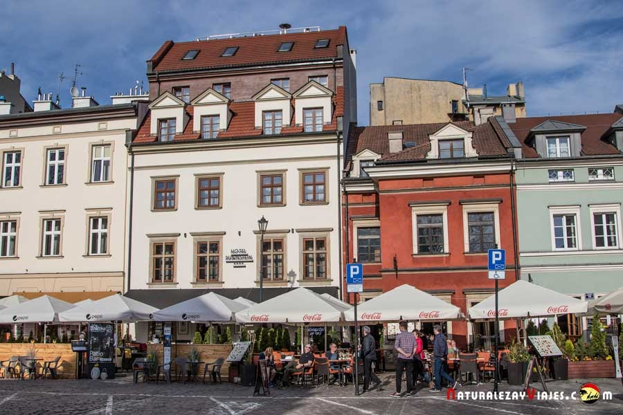 Calle Szerokaz del barrio Kazimierz, Cracovia