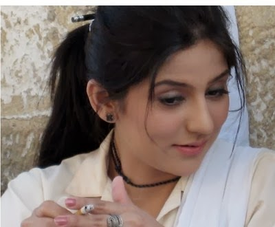 ayeesha pakistani actress nude - Pakistani leading and hot actresses, Sanam Baloch, Ayesha Khan and Sarwat  Gillani were exposed in scandalous pictures during smoking.