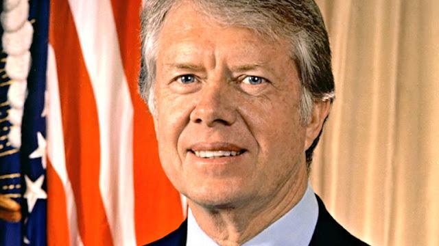 O ex-presidente dos EUA Jimmy Carter diz que ele tem câncer