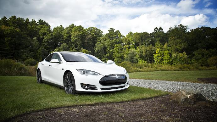 Wallpaper: Tesla S Model
