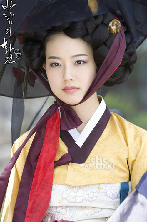 Moon Chae Won (문채원) - Korean Actress in Painter of the Wind