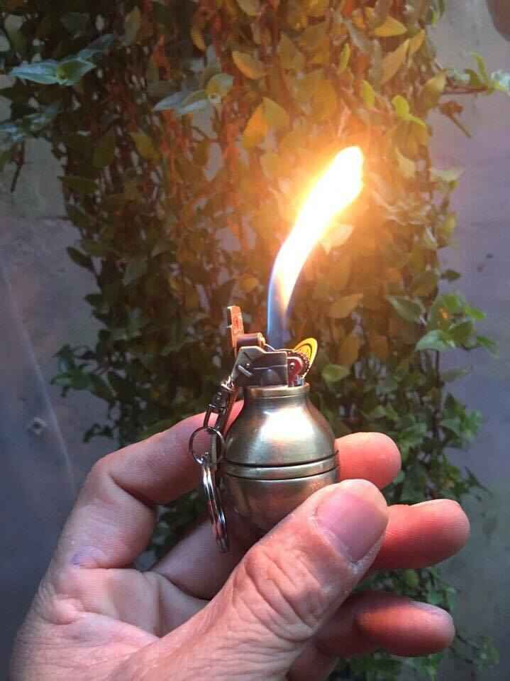 Bật lửa Hộp quẹt Hình lựu đạn trơn giá rẻ