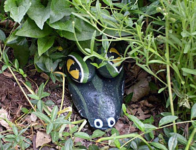 painted rocks critter alligator head garden art decor