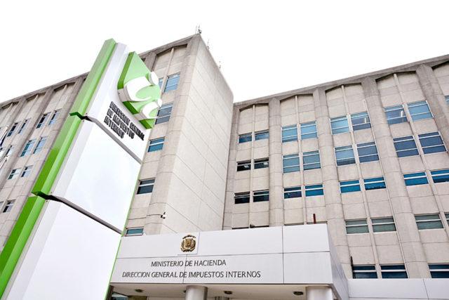 DGII: más de 700 mil dueños de vehículos no han renovado marbetes