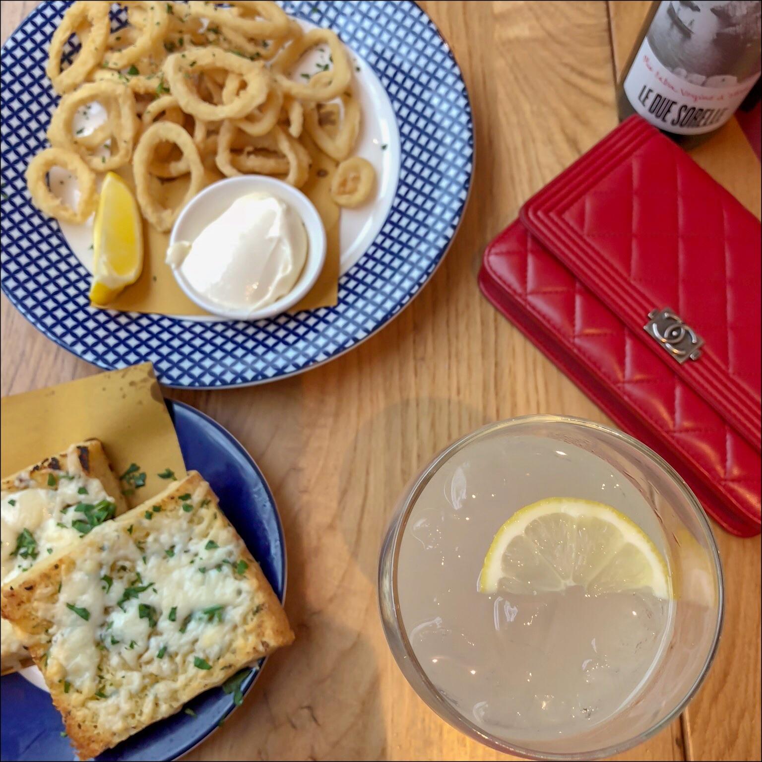 my midlife fashion, carluccios, carluccios calamari fritti, carluccios garlic with provolone cheese focaccia, carluccios sicilian spritz