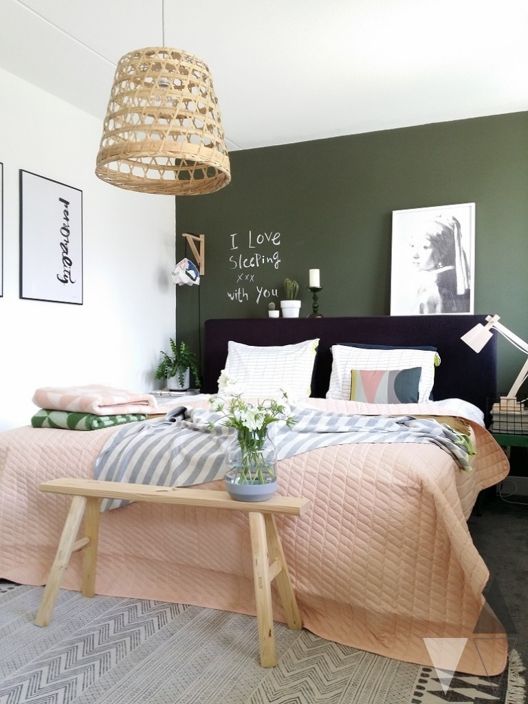 It S Moody And Sophisticated But It Also Has A Natural Organic Sort Of Feel What Do You Think Would You Dare To Paint Your Walls Dark Green