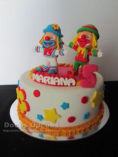 Os palhaços Patati Patatá foram ao aniversário da Mariana