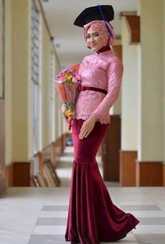 Contoh Baju Kebaya Wisuda Untuk Wanita Muslimah