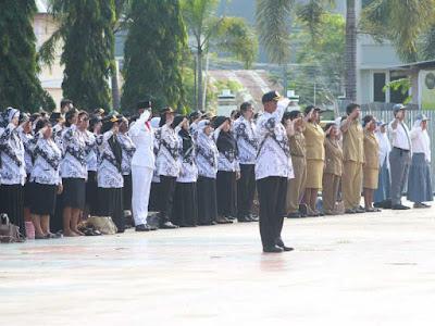 Pemkot Sorong Gelar Upacara Peringati Hari Guru Nasional dan HUT PGRI ke 73