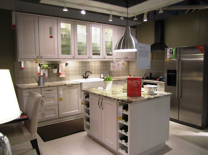 Elegant ikea modern small kitchen white cabinets pictures for Ikea kitchen modern white