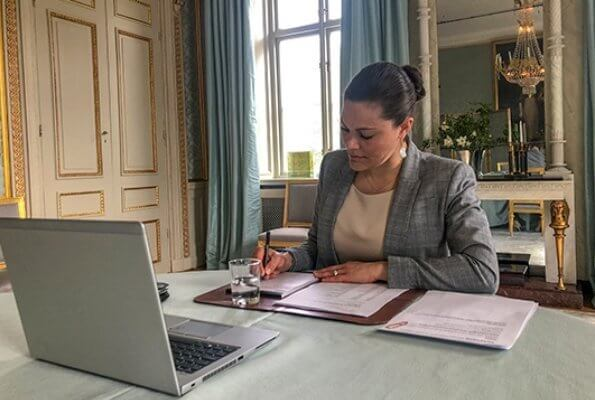 Crown Princess Victoria wore Tiger of Sweden chela blazer and a baroque pearl earrings by Cravingfor Jewellery Stockholm