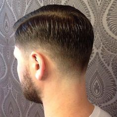 Taper fade Short hairstyle for men
