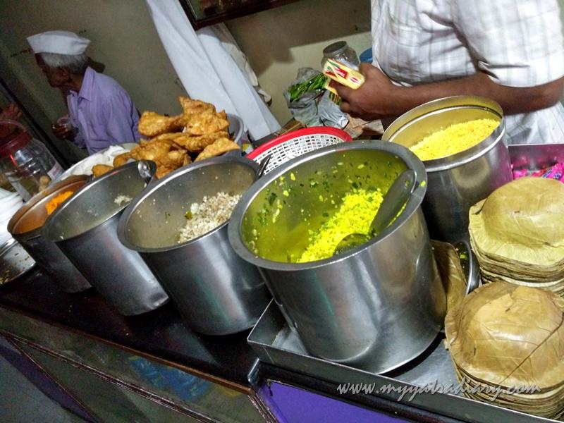 Puneri Breakfast at famous Amruteshwar Bhavan in Pune