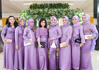 Model Kebaya Kombinasi Satin