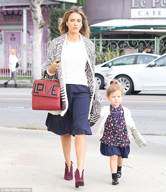 Jessica Alba & Daughter  | Twinning | Chichi Mary Blog