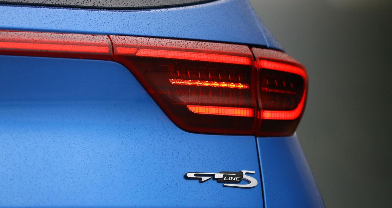 Kia Sportage 48V hybrid boot badge